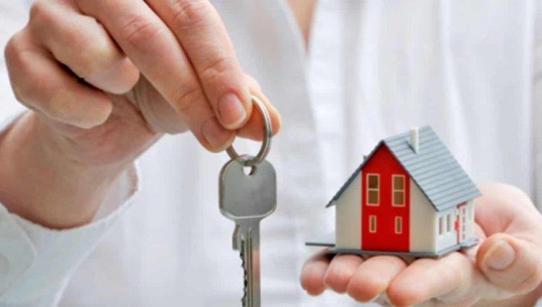 Si estás planeando adquirir una casa, presta mucha atención a lo siguiente, pues el INFONAVIT será una de tus grandes opciones para lograrlo ya que la institución otorga créditos para facilitarte a cumplir este objetivo. Dependiendo del perfil que tengas, encontrarás el préstamo que más se adecúe a tus capacidades y necesidades. Sigue leyendo que te hablaremos acerca de estos.